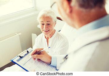 personne agee, hôpital, femme, presse-papiers, docteur