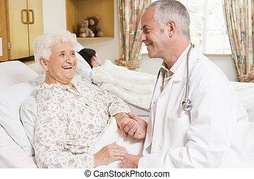 personne agee, hôpital, femme, rire, docteur