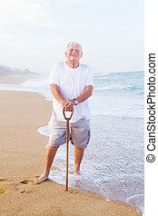 personne agee, heureux, plage, homme