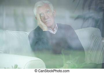personne agee, inquiété, homme