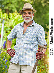 personne agee, jardinier, bêche