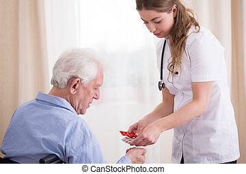 personne agee, médicaments, prendre