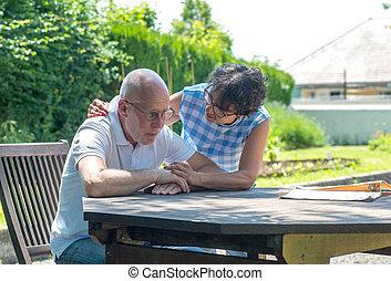 personne agee, maison, couple, jardin, séance