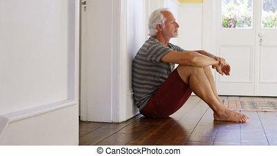 personne agee, maison, plancher, homme, 4k, séance