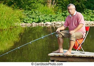 personne agee, pêcheur