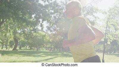 personne agee, parc, équipez course