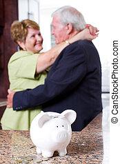 personne agee, retraite, couple, investissement