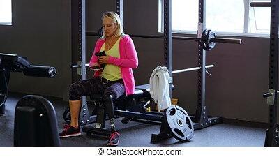 personne agee, séance entraînement, eau, 4k, après, boire, femme