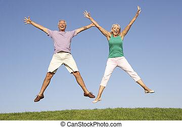 personne agee, sauter, couple, air