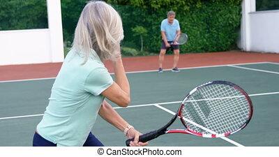 personne agee, tennis, couple, 4k, jouer, tribunal