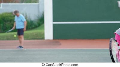 personne agee, tennis, couple, 4k, jouer