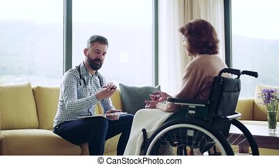 personne agee, visit., pendant, santé, fauteuil roulant, visiteur, femme, maison