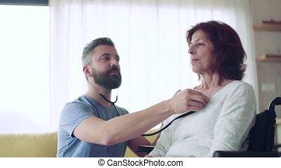 personne agee, visit., pendant, visiteur santé, femme, examiner, maison