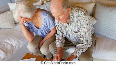 personne agee, vivant, couple, sur, confortable, vue, h,...