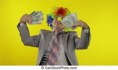 personnes agées, clown, patron, entrepreneur, homme affaires, danse, argent, espèces