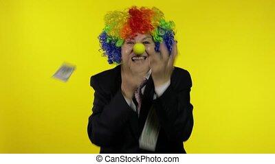 personnes agées, recevoir, clown, célébrer, danse, femme affaires, travailleur indépendant, argent, espèces