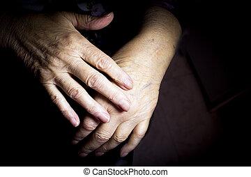 personnes agées, selfmassage, mains, femme