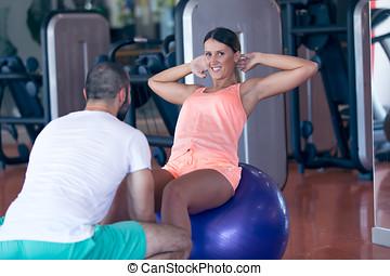 persoonlijke trainer, werkende , met, zijn, klant, in, gym