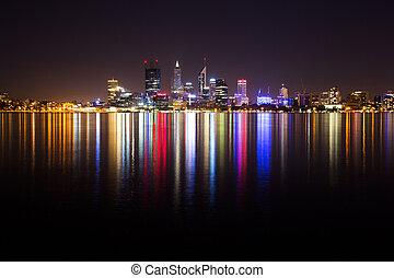 perth, perfil de ciudad, por la noche