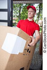 pesado, caixa, entrega, segurando, homem