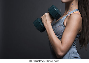 pesado, mujer, fuerte, dumbbell, proceso de llevar