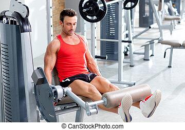 pesi sollevamento uomo, con, uno, stampa gamba, su, sport, palestra
