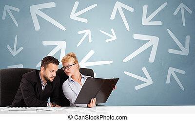pessoa, negócio, escrivaninha, direção, sentando, conceito