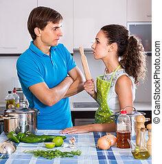 pessoa, tendo, discutir, esposo, jovem