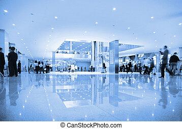 pessoas, corredor, de, centro negócio