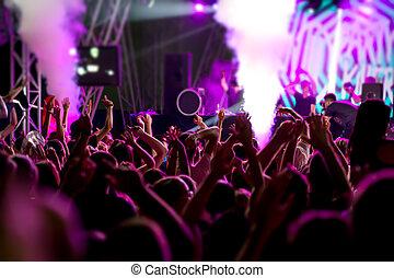 pessoas, em, concerto, partido