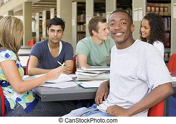 pessoas, estudar, biblioteca, cinco, focus), (selective