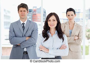 pessoas, janela, seu, negócio, sorrindo, cruzamento, três, ...