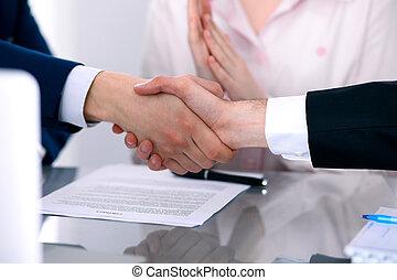 pessoas negócio, agitação, cima, mãos, acabamento, reunião