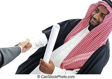 pessoas negócio, em, oriente médio, apertar mão