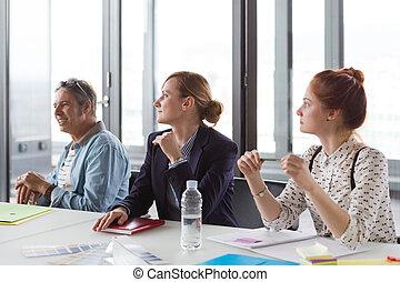 pessoas negócio, escritório., modernos, reunião, tendo