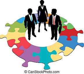 pessoas negócio, quebra-cabeça, solução, equipe, circular