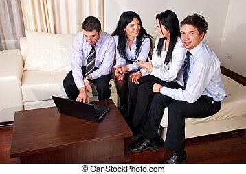 pessoas negócio, sentar sofá