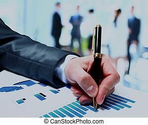 pessoas negócio, trabalho equipe, grupo, durante, conferência, relatório, discutir, financeiro, diagram.