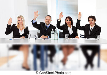 pessoas negócio, votando, em, a, reunião
