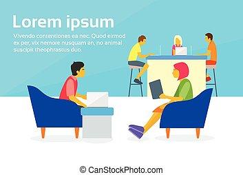 pessoas, trabalhando, sentando, centro, junto, coworking, ...