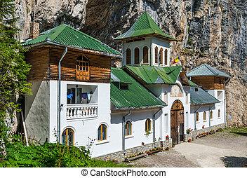 pestera, monasterio, carpathian, montañas