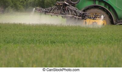 pesticida,  sray, trattore