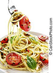 Pesto and Tomato Spaghetti