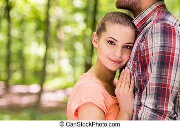 petit ami, ainsi, femme, amour, poitrine, lui, jeune, ensemble, parc, much!, penchant, placer, sourire, elle, beau, quoique