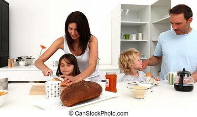 petit déjeuner, apprécier, ensemble, famille