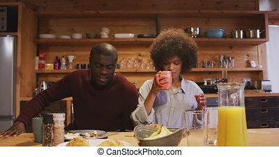 petit déjeuner, avoir, couple, maison