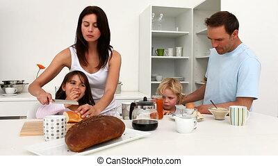 petit déjeuner, avoir, ensemble, famille