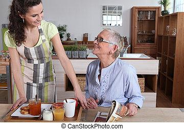 petit déjeuner faisant, fille, mère