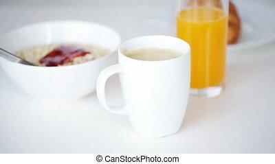 petit déjeuner, haut, homme, fin, café buvant