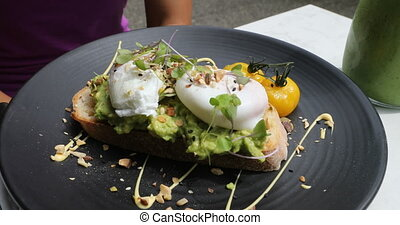 petit déjeuner traditionnel, oeuf, brunch, hipster, ou, poached, toast, avocat, -, repas